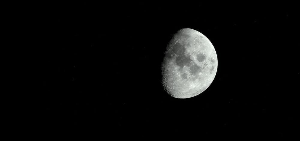La luna in avvicinamento